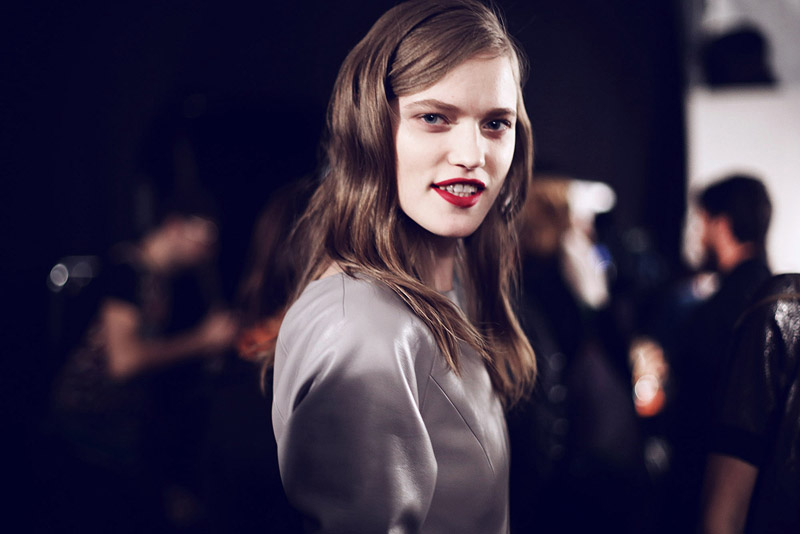 trussardi_backstage-milan_fashion_week-backstage-models-0002