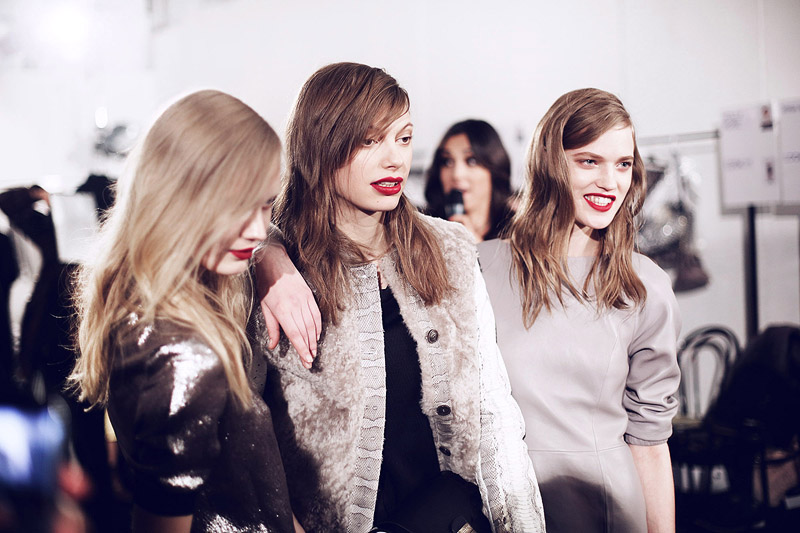 trussardi_backstage-milan_fashion_week-backstage-models-0009