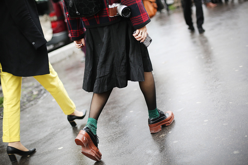 paris_fashion_week-street_style-parisfw-rihanna-00009