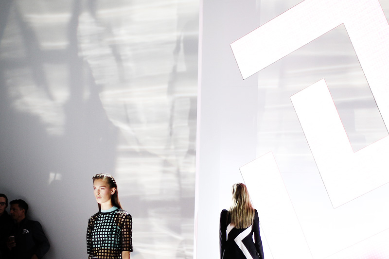 versace_ss15-milan_fashion_week-cupofcouple-00002