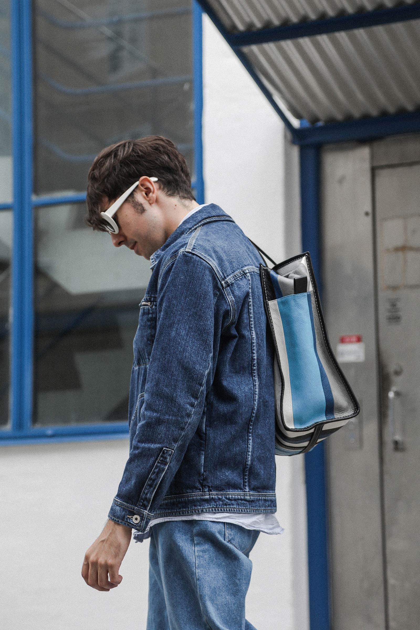 cupofcouple-acne_jacket-acne_sunglasses-loewe_jacket-balenciaga_bag-0002